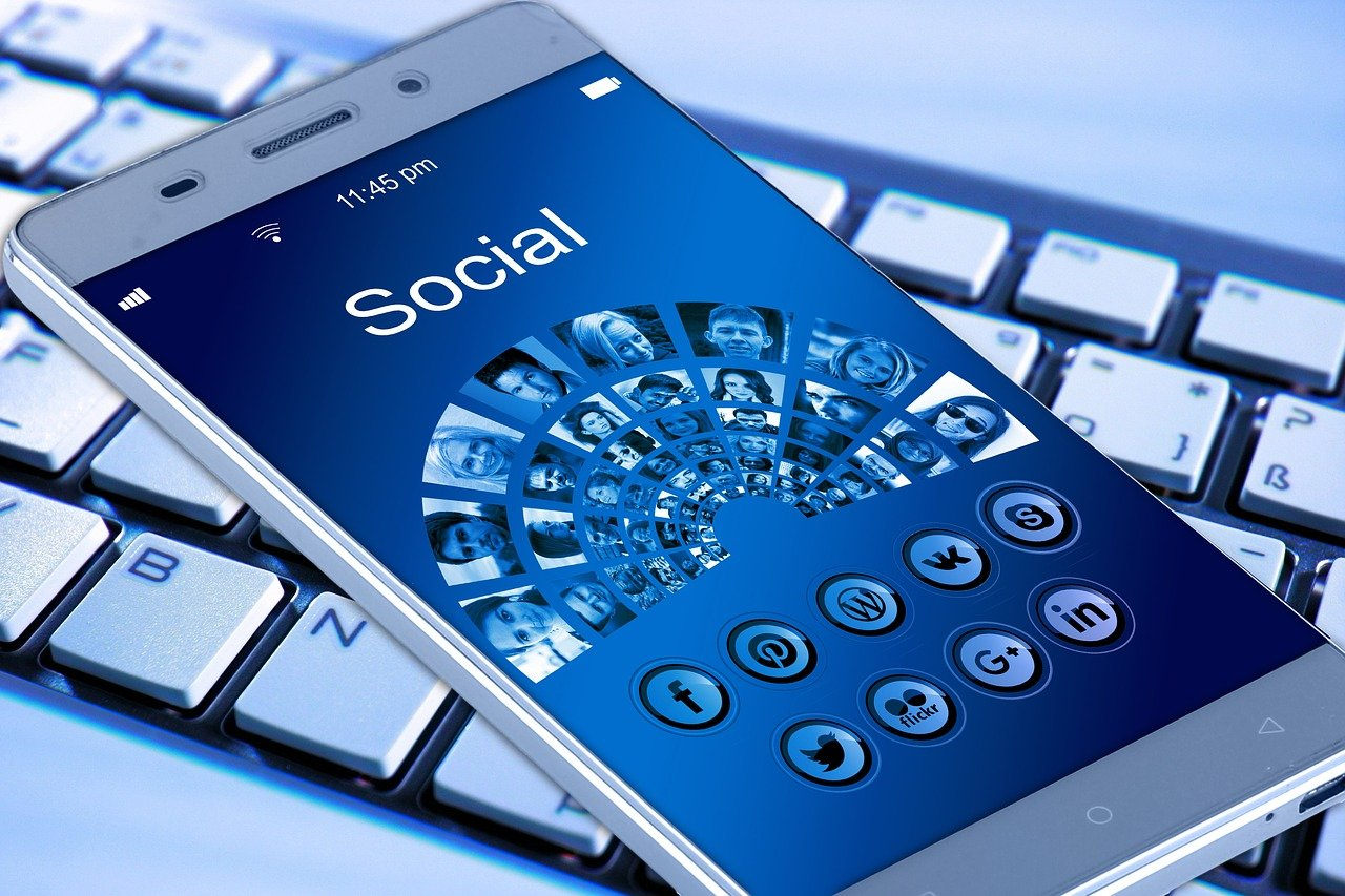 servicos de marketing digital Solução Chave na Mão soluções em marketing digital fazemos seo google ads sites em worpress gestão de redes sociais ao nível dos posts e das campanhas patrocinadas